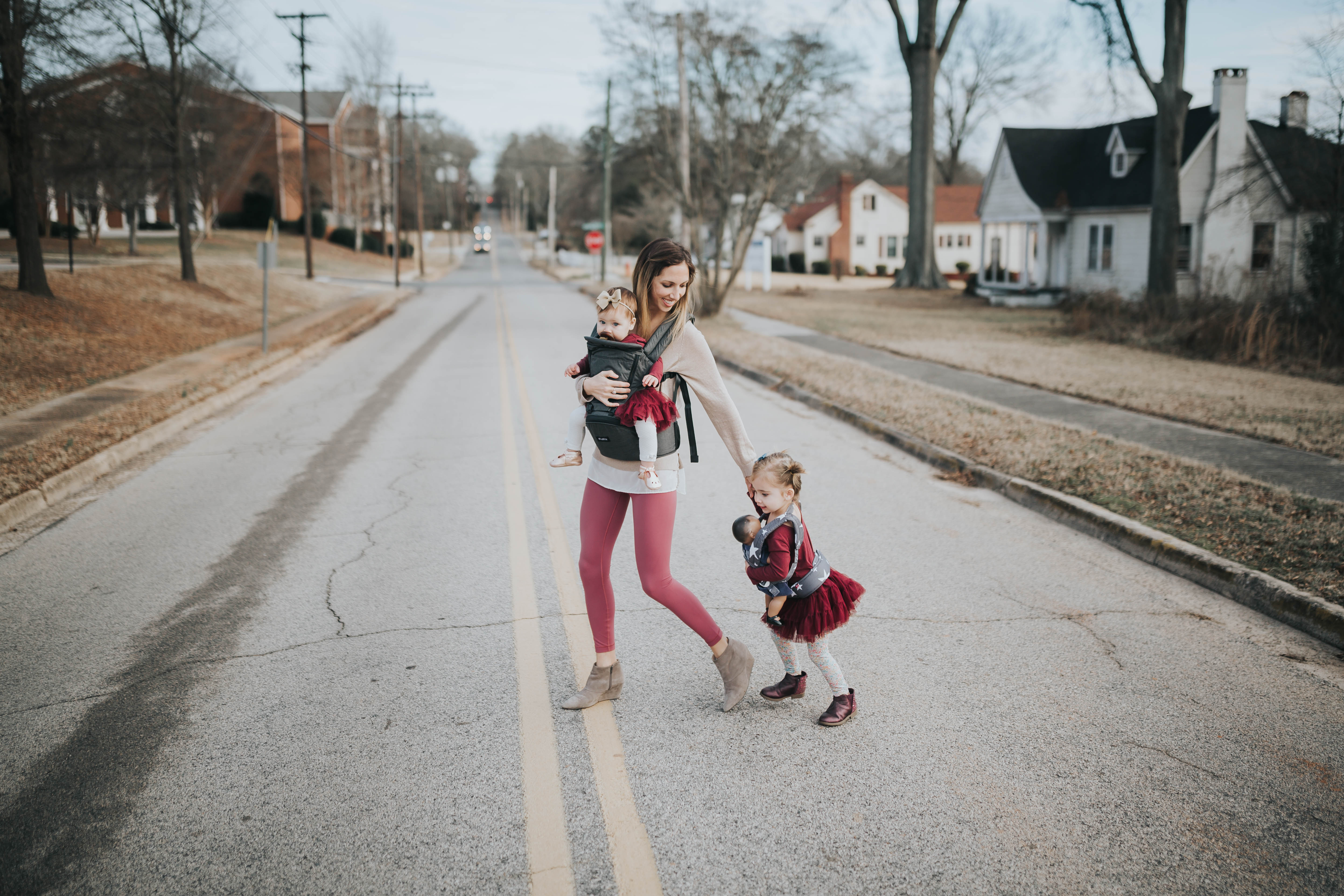 tots-tuesday-mommy-and-me-baby-wearing